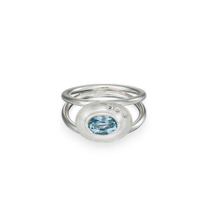 Byzantine ring Aquamarine and diamond in silver