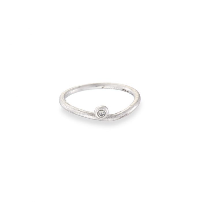 Dewdrop ring white diamond in 18ct white