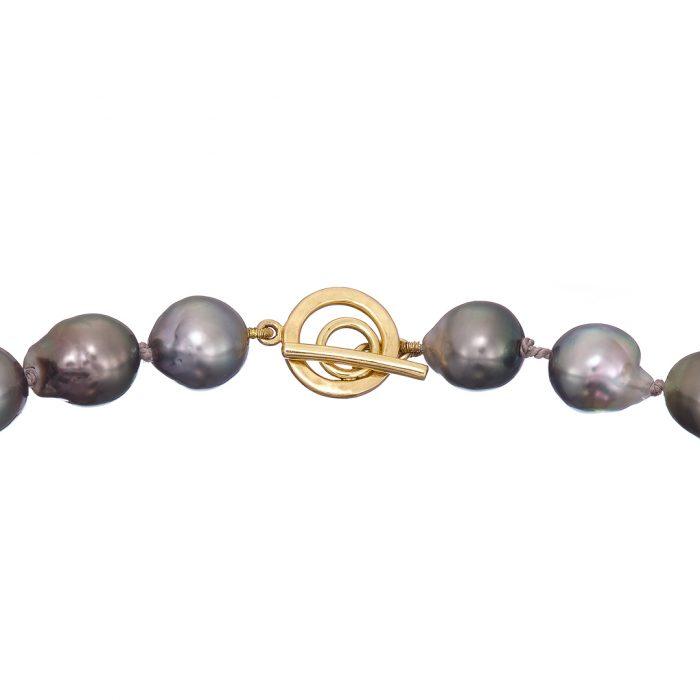 Tahitian pearls opera length catch close up