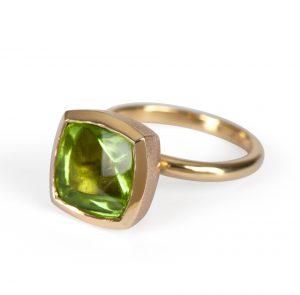Peridot Ring yellow gold