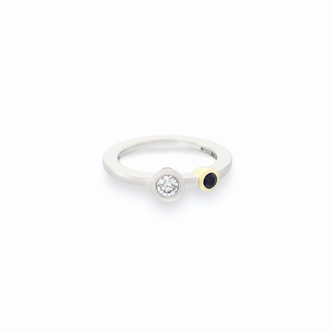 Sapphire and diamond stacking ring wg