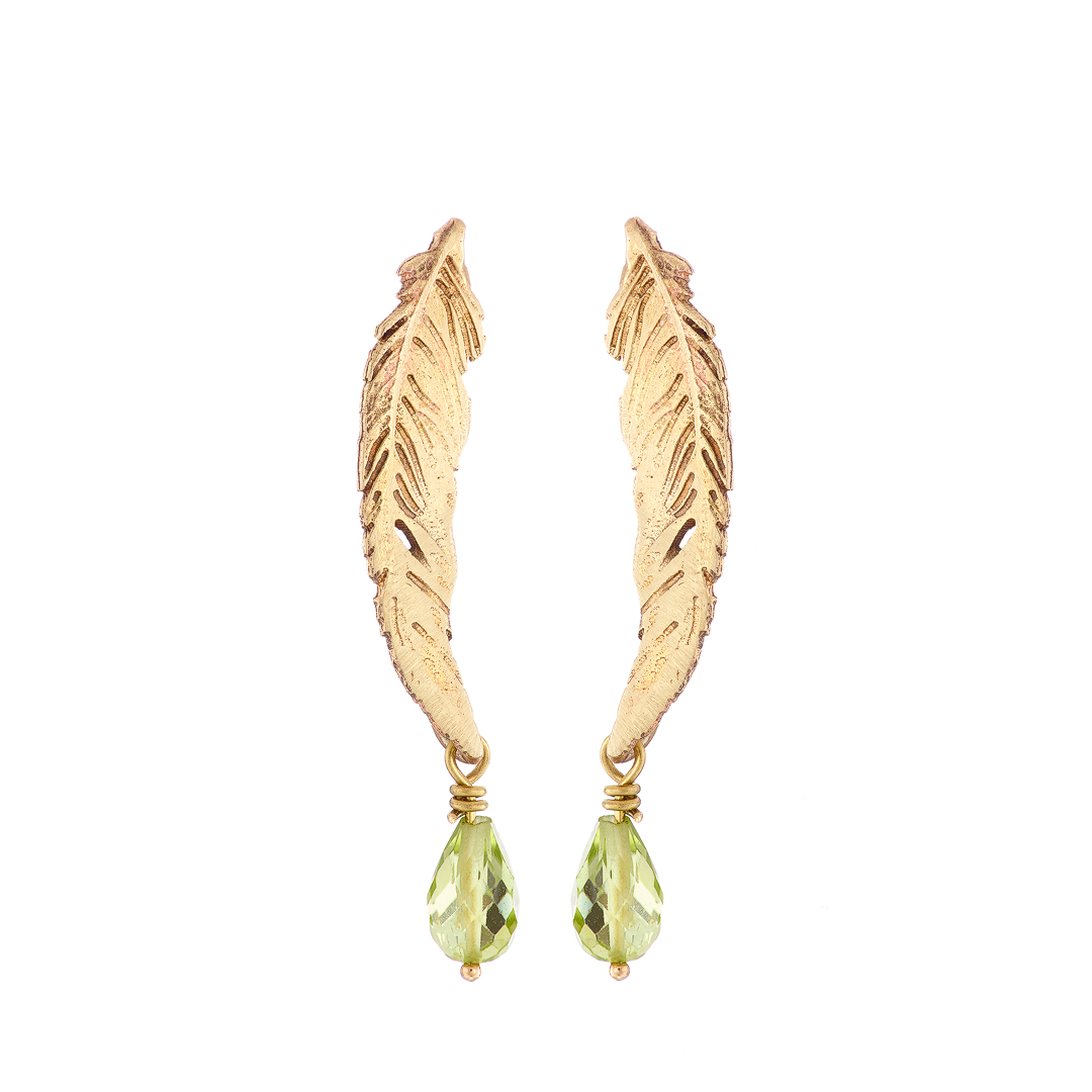 Feather earrings, medium, 9ct yellow gold with peridot drop